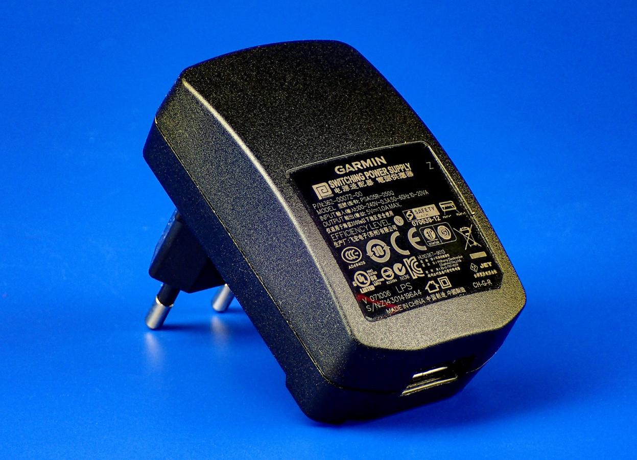 Зарядное устройство Garmin